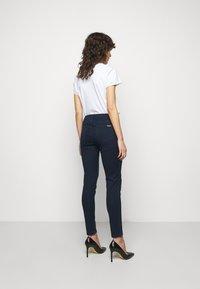 MICHAEL Michael Kors - SELMA SKINNY - Jeans Skinny Fit - twilight wash - 2