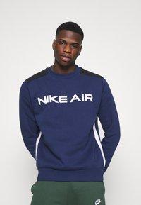 Nike Sportswear - AIR CREW - Sweatshirt - midnight navy/black/white - 5