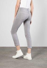 MAC Jeans - GRAUTÖNE - Slim fit jeans - grey - 1