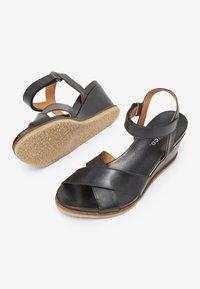 Bianco - SANDALEN LEDER - Wedge sandals - black - 3