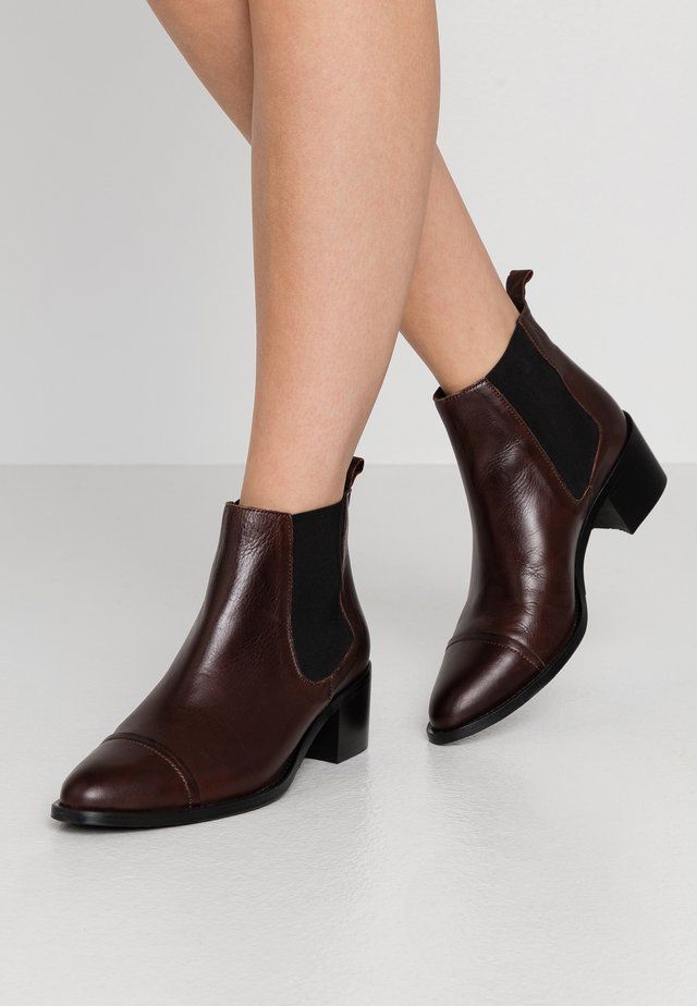 DRESS CHELSEA - Boots à talons - dark brown