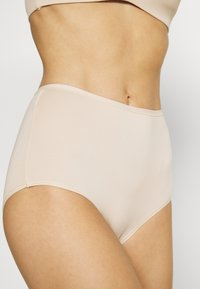 Marks & Spencer London - 5 PACK - Pants - nude mix - 5