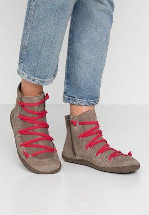 PEU CAMI - Boots à talons - dark grey