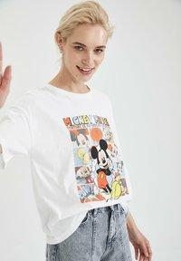 DeFacto - DISNEY - T-shirt con stampa - white - 3