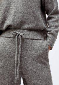 OYSHO - Tracksuit bottoms - grey - 2