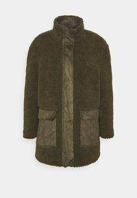 Vero Moda - VMNORTH TEDDY JACKET - Classic coat - ivy green - 0