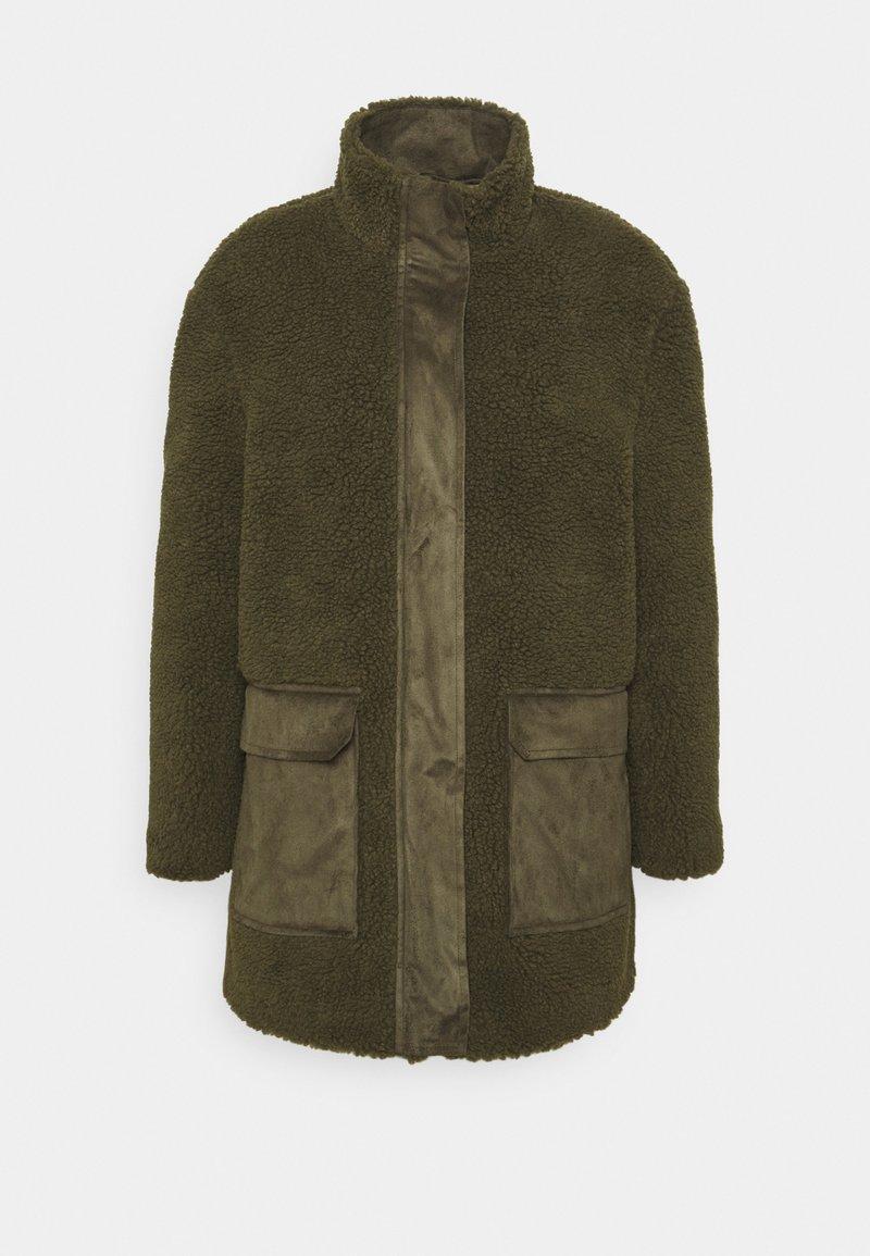 Vero Moda - VMNORTH TEDDY JACKET - Classic coat - ivy green