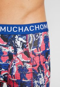 MUCHACHOMALO - HOROS 3 PACK - Shorty - red/black - 4