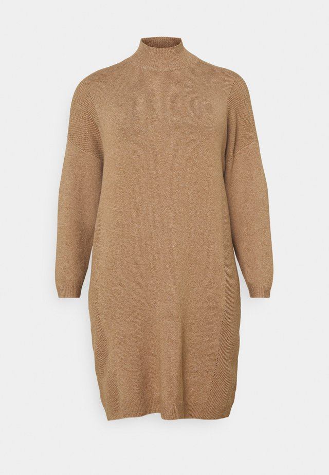 CARPRIMEUS TUNNEL NECK TUNIC DRESS - Strikket kjole - brownie