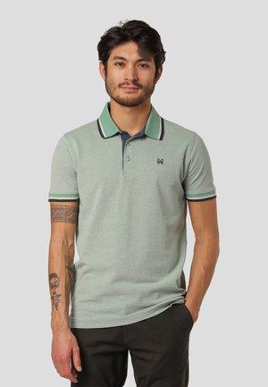 WALTON - Polo shirt - frosty spruce green