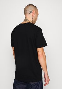 Denim Project - FRONT LOGO TEE - Printtipaita - black - 2