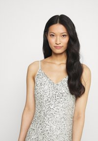 Maya Deluxe - DELICATE SEQUIN FISHTAIL MAXI DRESS - Společenské šaty - soft grey - 5