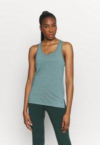 Nike Performance - YOGA LAYER TANK - Camiseta de deporte - light pumice/dark teal green - 0