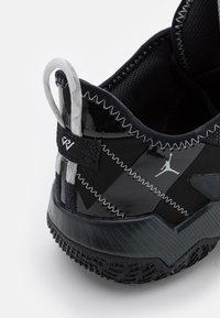 Jordan - ONE TAKE II UNISEX - Basketball shoes - black/mertallic silver/anthracite - 5
