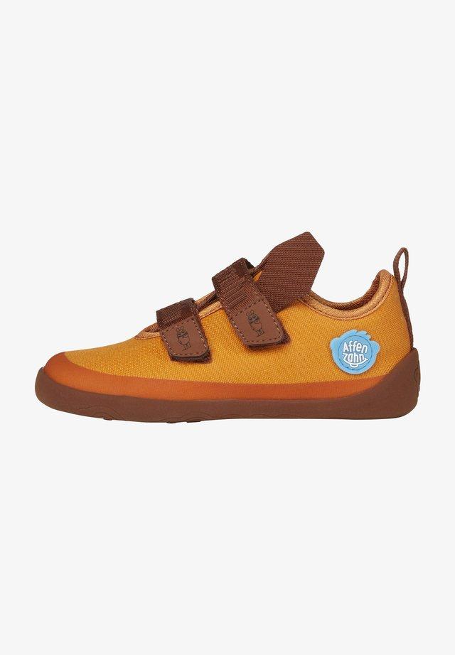 Touch-strap shoes - orange