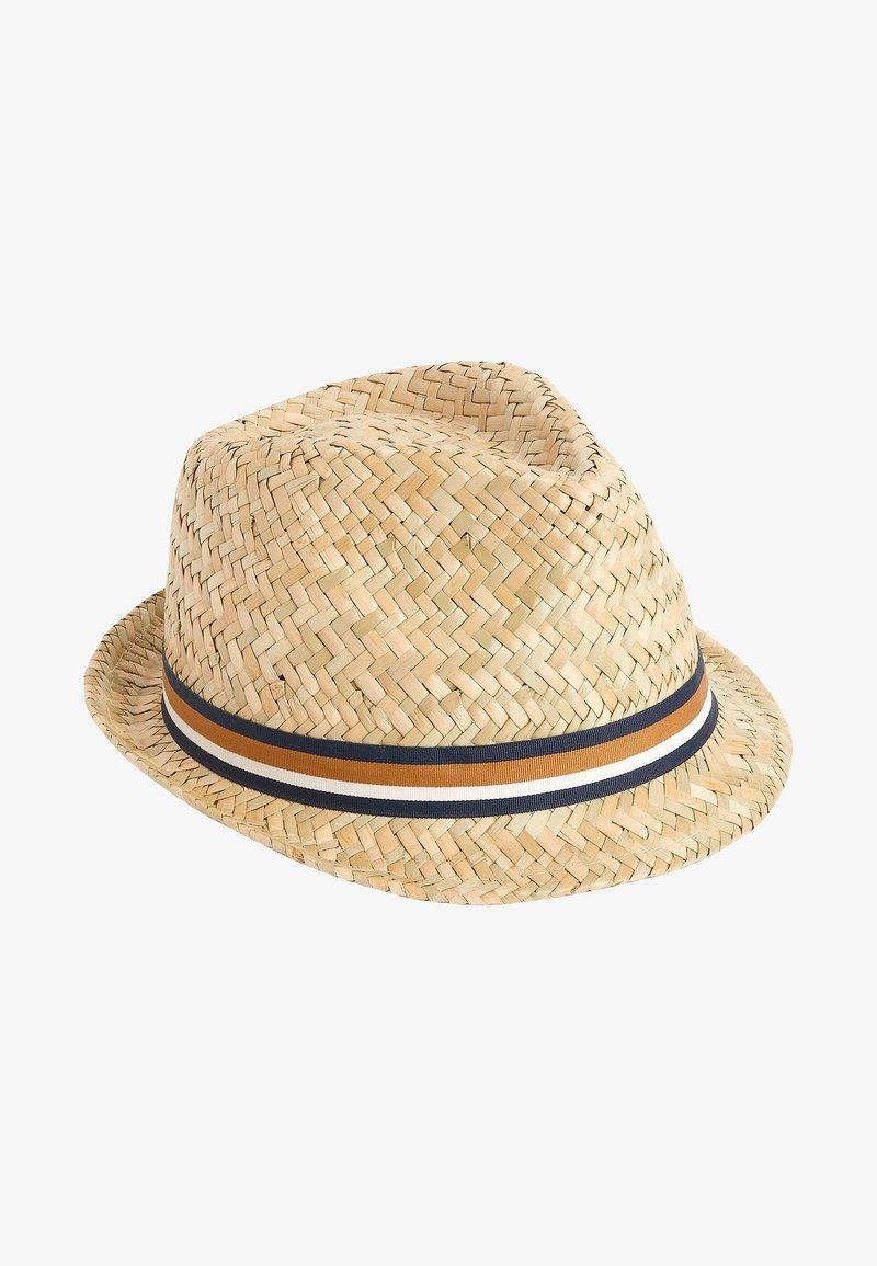 Next - Hat - off white