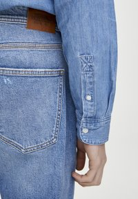 PULL&BEAR - Jeans Tapered Fit - light blue - 4