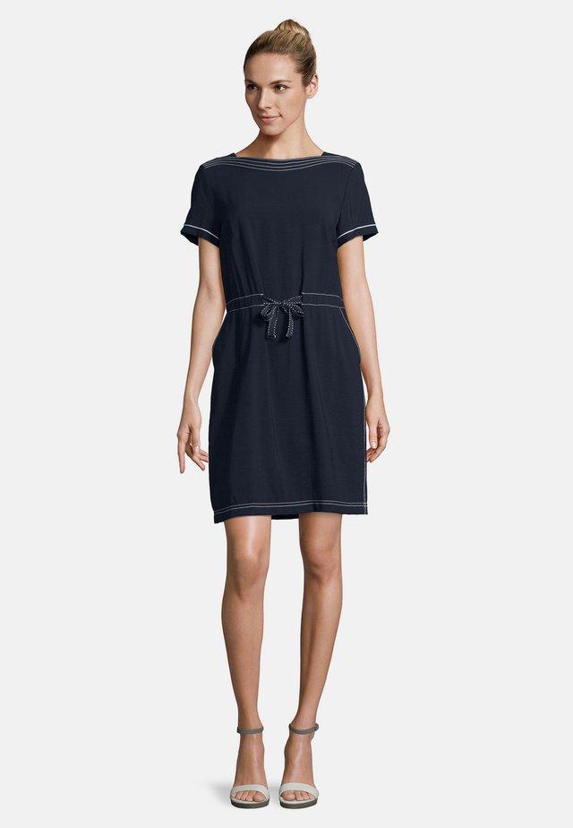 MIT STEPPUNGEN - Day dress - dunkelblau