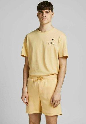 JORVIBES TEE CREW NECK - Print T-shirt - sahara sun