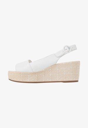 Platform sandals - bamboo weiß