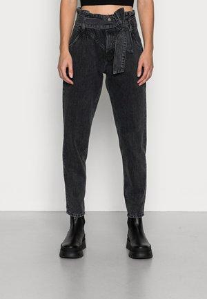 PAPERBAG - Jeansy Straight Leg - black dark wash