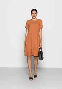 InWear - VIKSA DRESS - Sukienka letnia - honey - 1