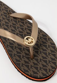 MICHAEL Michael Kors - STRIPE EVA - T-bar sandals - brown - 5