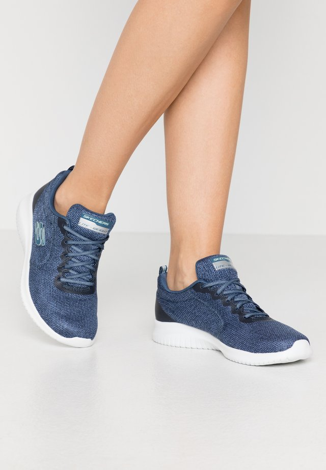 ULTRA FLEX - Sneakers laag - navy/white