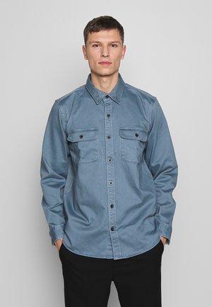 CHAMOIS - Shirt - fossil blue