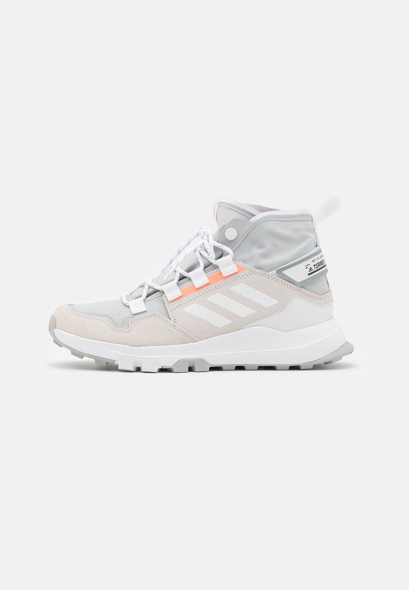 adidas Performance - TERREX HIKSTER TRAXION HIKING SHOES MID - Hikingskor - grey two/footwear white/signal orange