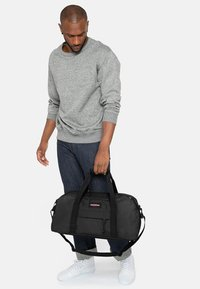 Eastpak - STAND + CORE COLORS  - Holdall - black - 0