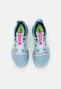 adidas Performance - TERREX SKYCHASER 2 GTX - Fjellsko - haze blue/hi-res yellow/screaming pink - 3