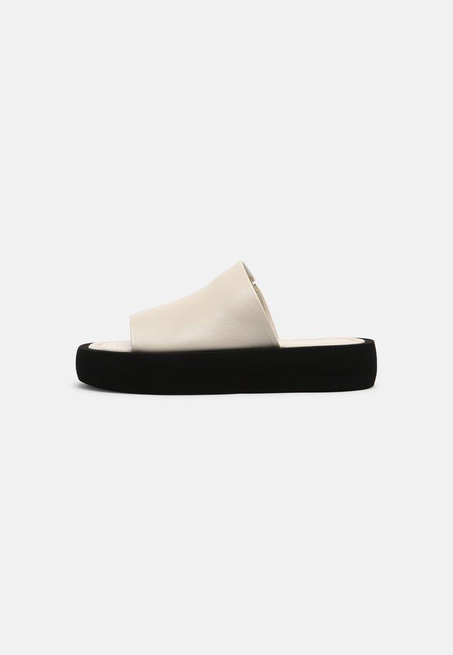 SIRI - Mules - soft white