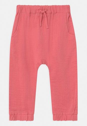 LOKI BABY  - Trousers - rose