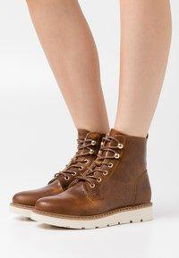 Vero Moda - VMBETTY BOOT - Winter boots - friar brown - 0