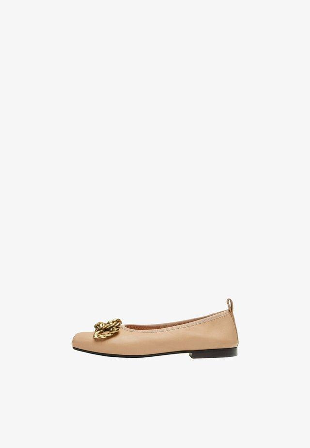 Nazouvací boty - beige