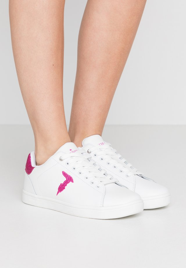Sneakers laag - white/fuschia
