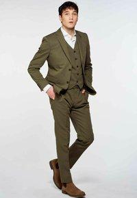 MDB IMPECCABLE - Suit waistcoat - khaki - 1