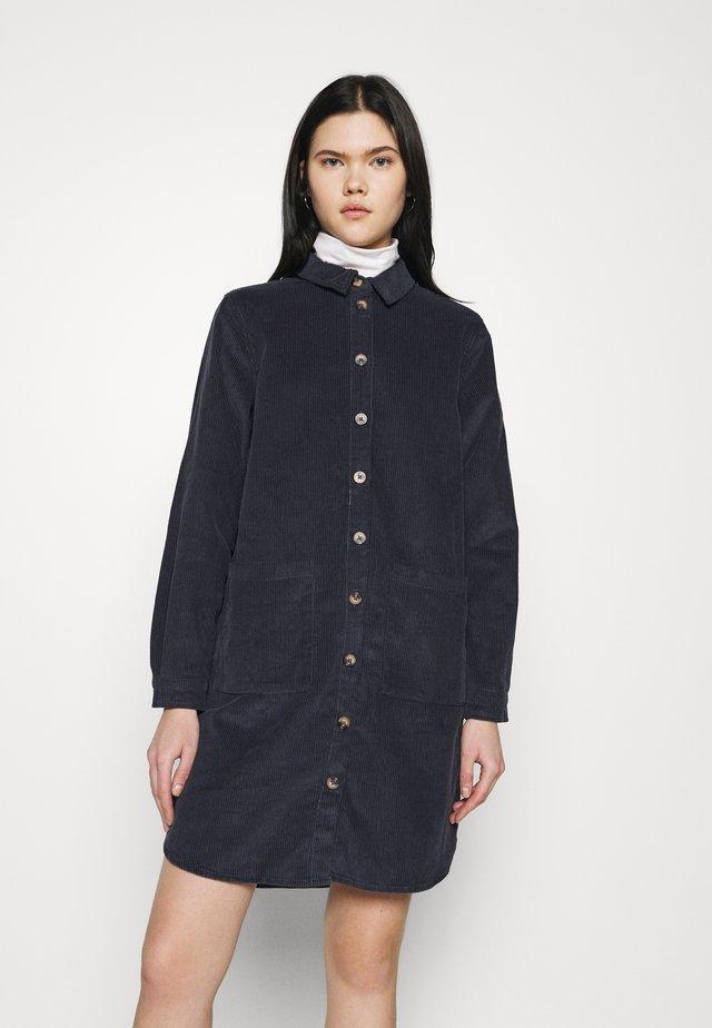 PCPHOEBE DRESS - Shirt dress - ombre blue
