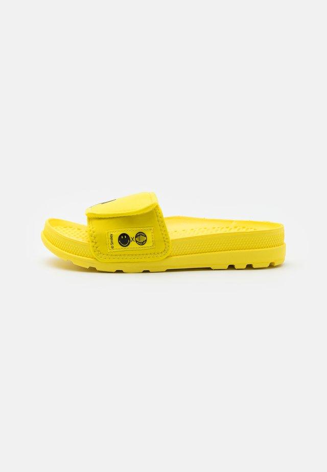 SOLEA BE KIND UNISEX - Muiltjes - blazing yellow