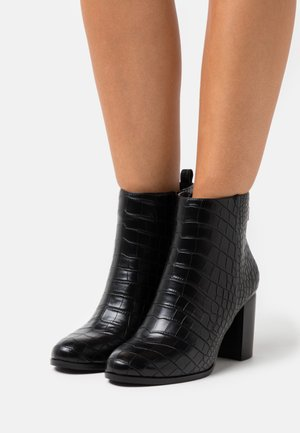 FEE - Classic ankle boots - black