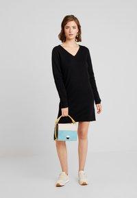 Vero Moda - VMDIANE V-NECK DRESS - Neulemekko - black - 2