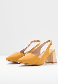 co wren wide fit - Classic heels - mustard - 4