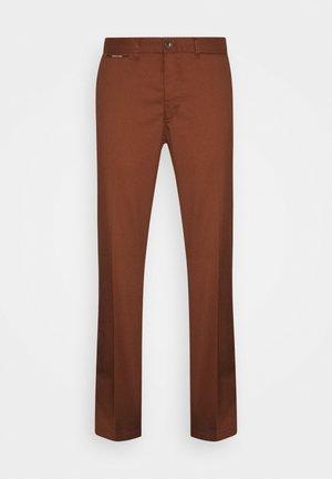 MOTT CLASSIC  - Chinos - brown