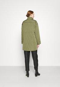 YAS - YASWENNA QUILTED  - Short coat - khaki - 2