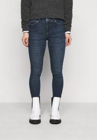 Vero Moda Petite - VMSEVEN  - Slim fit jeans - dark blue denim - 0