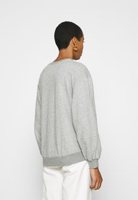 Abercrombie & Fitch - ITALICS SEAMED LOGO CREW - Sweatshirt - grey - 2