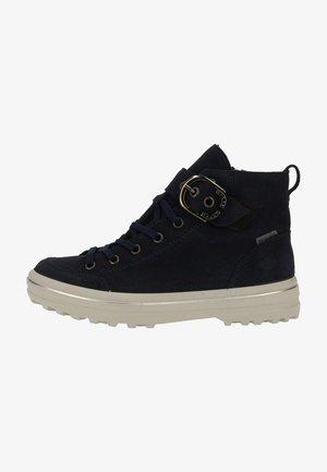 Zapatillas altas - nautic 172