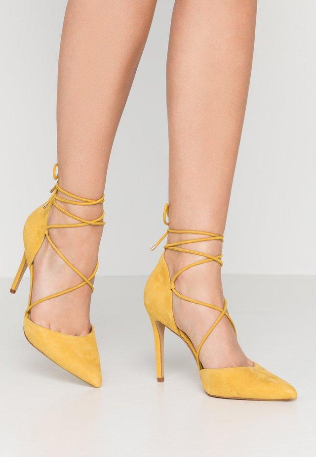 FINSBURY - Lodičky na vysokém podpatku - bright yellow