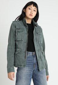 Superdry - KIONA ROOKIE POCKET JACKET - Summer jacket - green - 0
